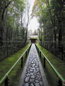 画像に alt 属性が指定されていません。ファイル名: 大徳寺-225x300.jpg
